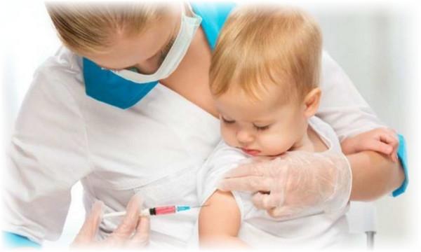 Tiêm phòng cho trẻ để phòng ngừa bệnh sốt siêu vi